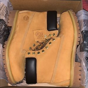 New Size 11 Waterproof Timberland Boots with box